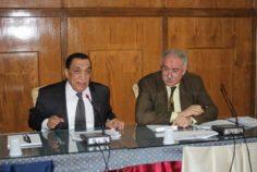 اجتماع الدكتور رشاد عبد اللطيف مدير عام المؤسسة الثقافية العمالية ومدير عام شئون المناطق