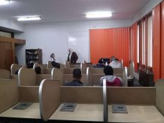 بدا فاعليات دورة اللغة الانجليزية المنفذة بمركز اللغات والترجمة بالمؤسسة الثقافية العمالية